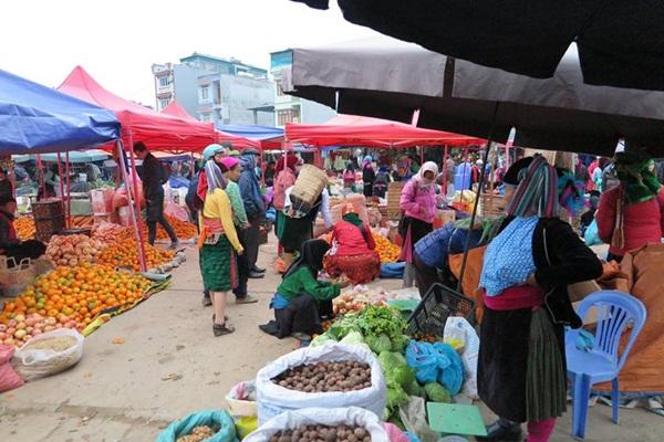 chợ phiên Đồng Văn hà giang